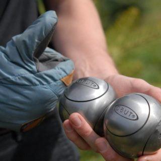 Obut les boules de pétanque