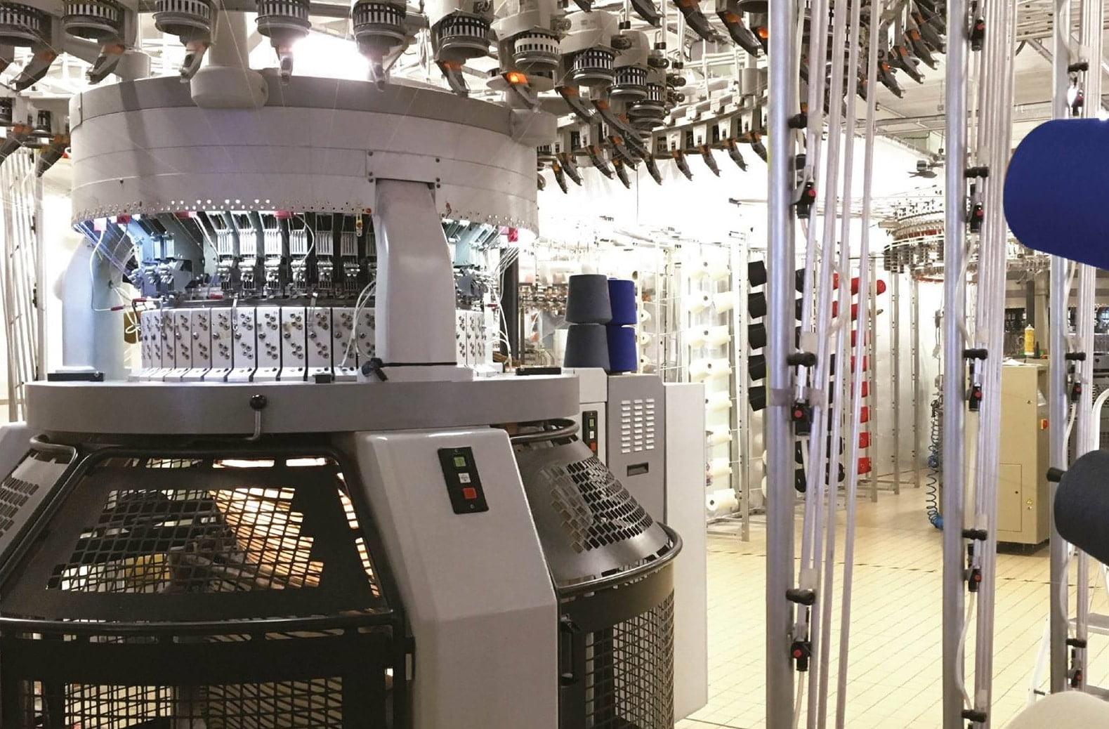 https://www.marques-de-france.fr/wp-content/uploads/2019/03/Armor-Lux_usine3.jpg