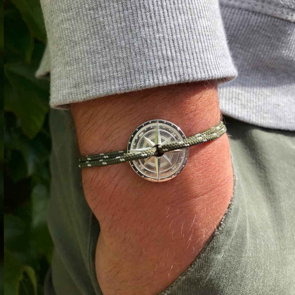 https://www.marques-de-france.fr/wp-content/uploads/2019/07/Le-vent-a-la-francaise_bracelet2.jpg
