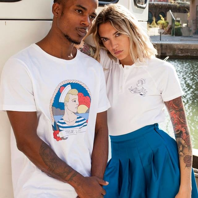 https://www.marques-de-france.fr/wp-content/uploads/2019/10/Tricote-moi-un-tattoo_t-shirts-640x640.jpg