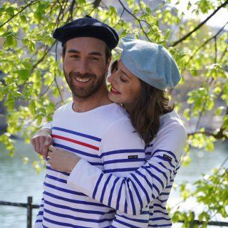 Le beret francais couple berets unis